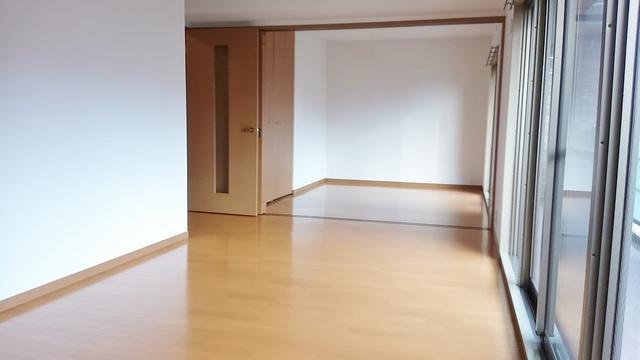 ネオパレス長者原Ⅱ / 306号室リビング