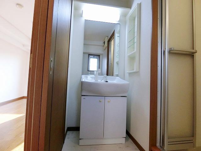 メルベーユ博多 / 303号室洗面所