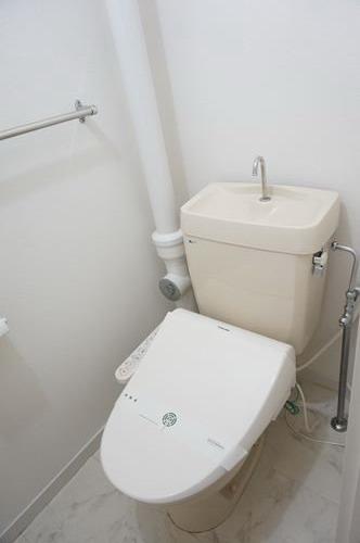 レジデンス秋根 / 101号室トイレ