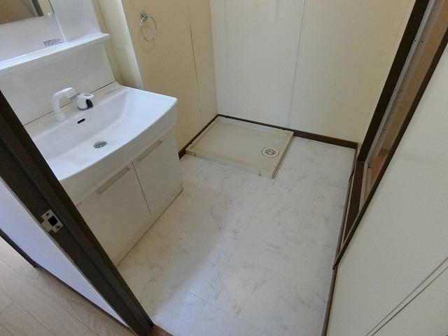 ファミール篠栗 / 401号室洗面所