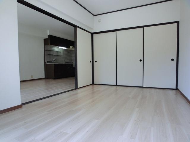 エミネンス'92 / 101号室洋室