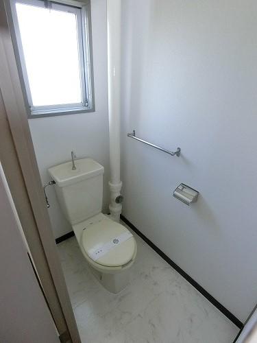工藤ビル / 402号室トイレ