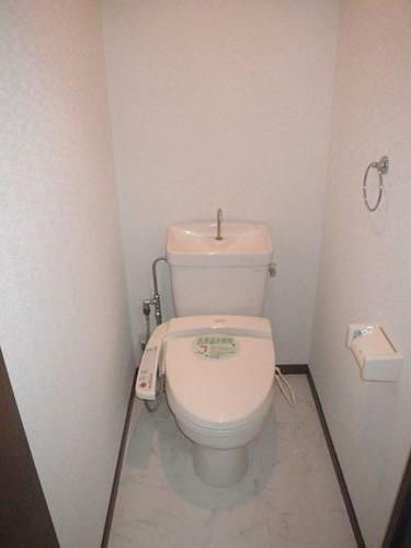 レジデンス・ウィステリア24 / 301号室トイレ