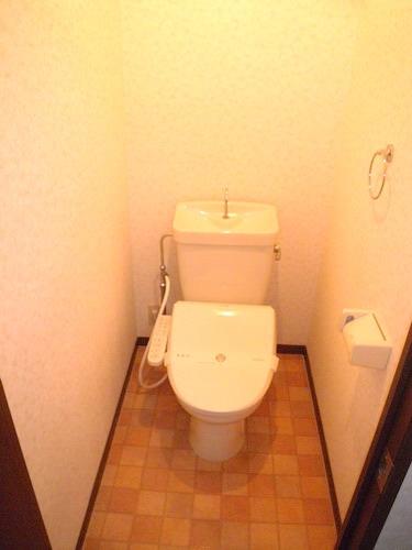 レジデンス・ウィステリア24 / 403号室トイレ
