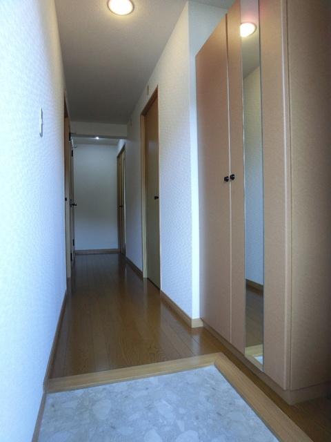 ファミーユ博多の森 / 302号室玄関