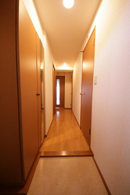 シャトレ東 / 201号室玄関