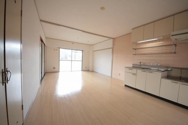 本園ビル / 305号室リビング