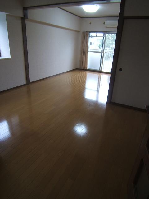 コープセンタービレッジ / 402号室