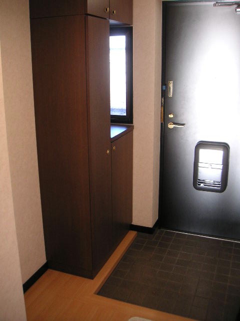 エスポワール空港通り / 301号室玄関