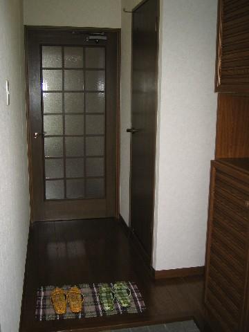 ハイ・コート(ペット可) / 301号室玄関