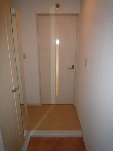 カーム ヴィラ / 203号室玄関