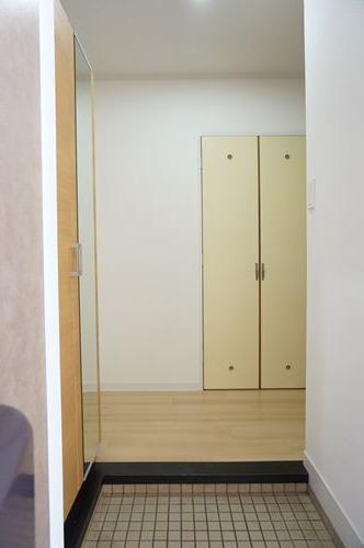 レジデンス秋根 / 101号室玄関