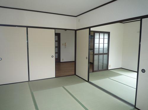 レジデンス牛房 / 301号室和室