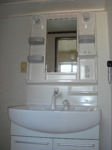 サンハイツKUDO / 101号室