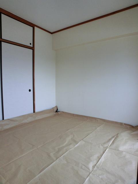 エスポワール長者原西 / 301号室和室