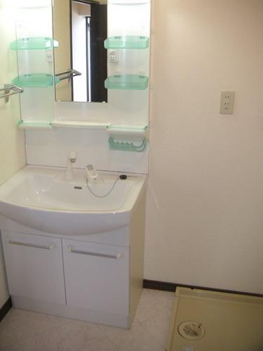フレスコ'93(ペット可) / 302号室洗面所