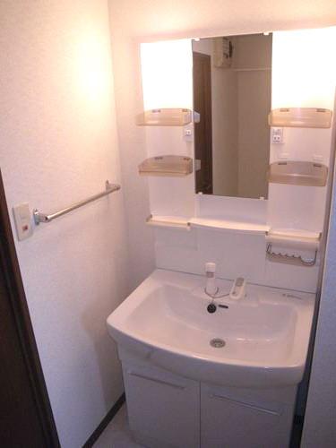 レジデンス・ウィステリア24 / 301号室洗面所