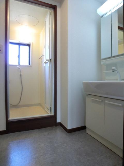 レジデンス・ウィステリア24 / 302号室洗面所