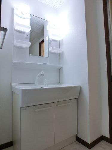 レジデンス・ウィステリア24 / 401号室洗面所