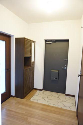 レジデンス・ウィステリア24 / 405号室玄関