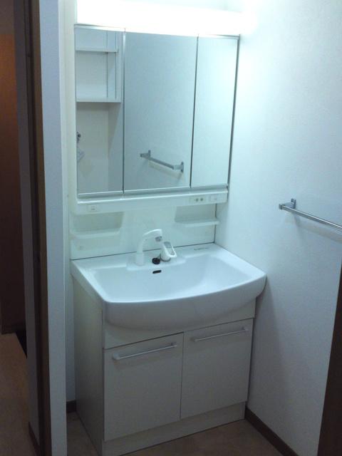 リヴェール伊賀 / 105号室洗面所