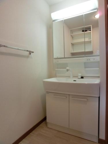 リヴェール伊賀 / 401号室洗面所