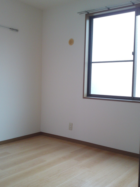 メロディハイツ戸原 / B-101号室洋室