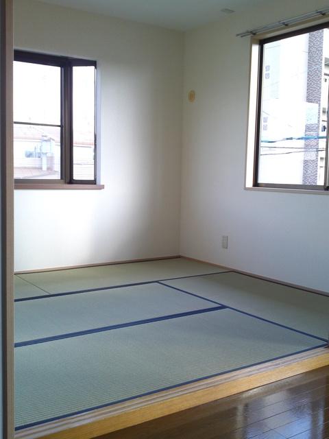 フラワーハイツ長者原 / A-202号室和室
