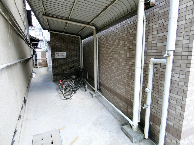 プレデュパルク壱番館 / 201号室駐輪場