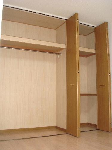 リヴェール伊賀Ⅱ / 102号室収納
