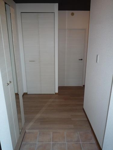 リヴェール伊賀Ⅱ / 201号室玄関