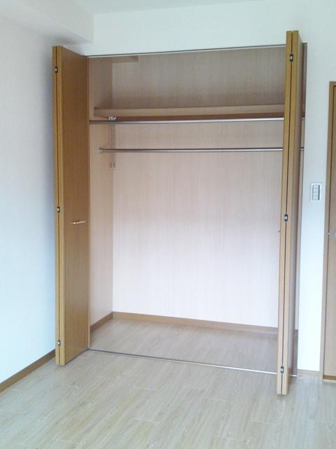 リヴェール伊賀Ⅱ / 203号室収納