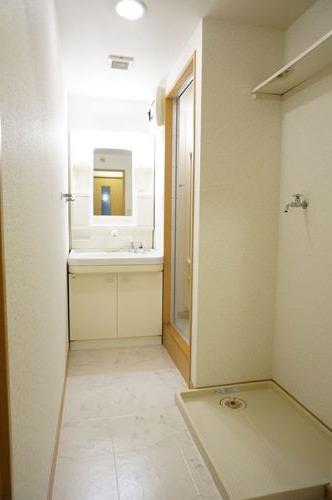 ファミーユ博多の森 / 105号室洗面所