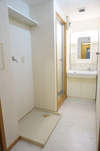 ファミーユ博多の森 / 403号室洗面所