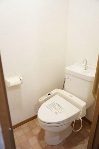 シャルム空港南 / 403号室トイレ