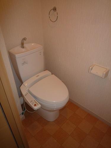 エアポートハイム東平尾 / 303号室トイレ