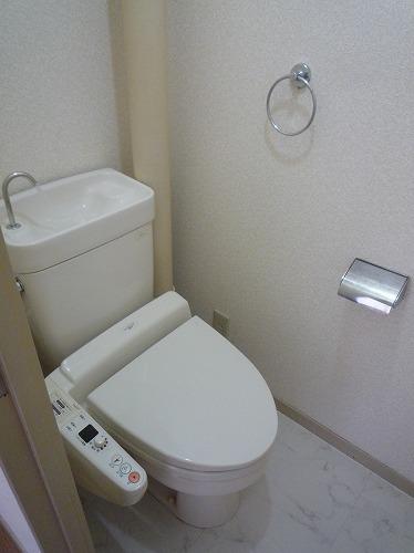アベニュー88 / 303号室トイレ
