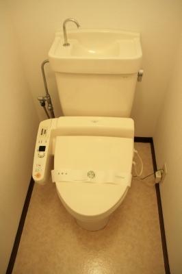 サン・ビィーム吉塚 / 203号室トイレ