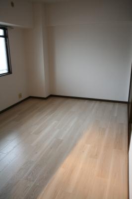 エスポワール空港通り / 401号室その他部屋・スペース