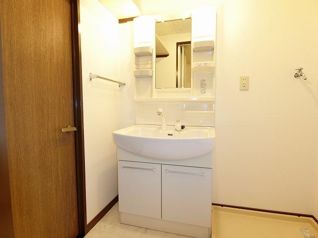 ソフィア'92 / 503号室洗面所