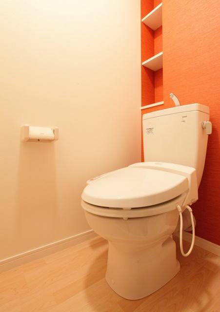 テゾーロカーザ / 303号室トイレ