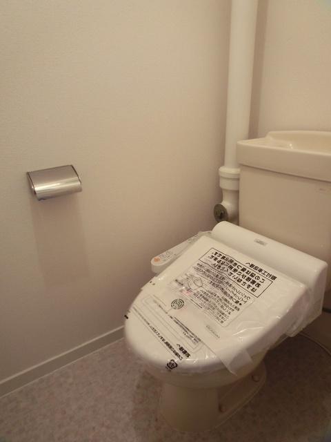 ふじよしビル / 103号室トイレ