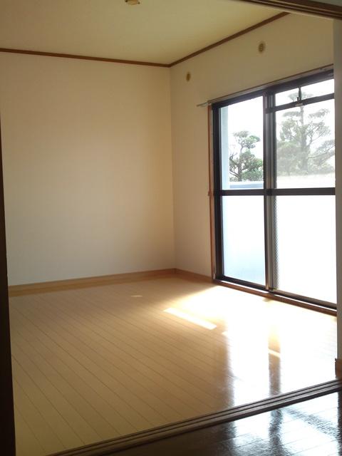 コムフォート・シティ / 203号室洋室