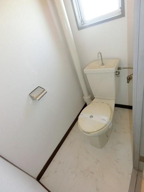 工藤ビル / 103号室トイレ