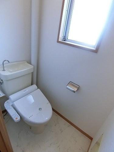 アイビーハイツ / 203号室トイレ