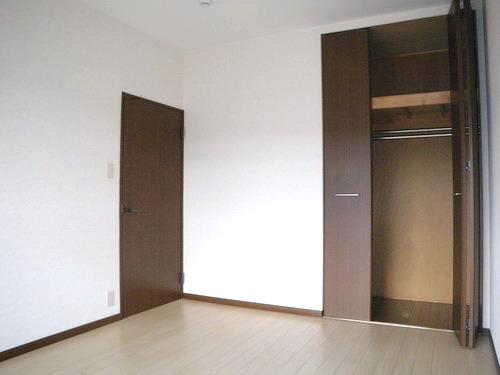 レジデンス・ウィステリア24 / 203号室洋室