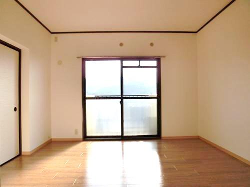 レジデンス・ウィステリア24 / 401号室洋室