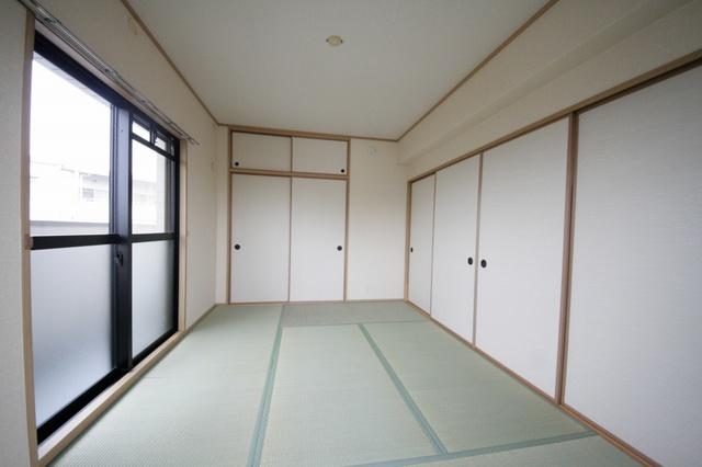 スカイヒルズ6 / 302号室和室
