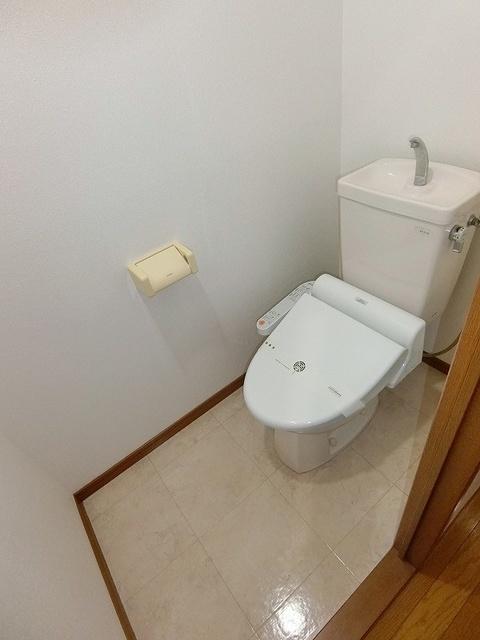ネオパレス長者原 / 102号室トイレ