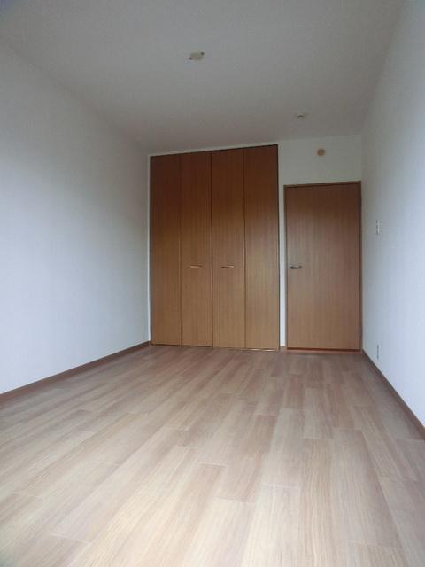 ネオパレス長者原 / 301号室洋室